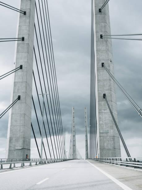 öresundsbron öresundsbron mellan malmö köpenhamn - öresund bildbanksfoton och bilder