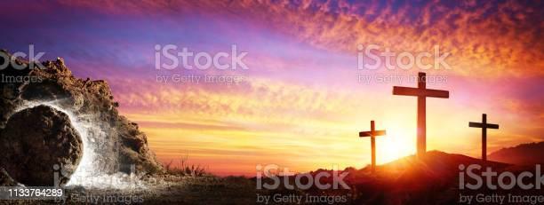 Resurrection tomb empty with crucifixion at sunrise picture id1133764289?b=1&k=6&m=1133764289&s=612x612&h=ktq2g jmkx1sbazccae6b368v8gzizpzmdl2i6nqyoy=