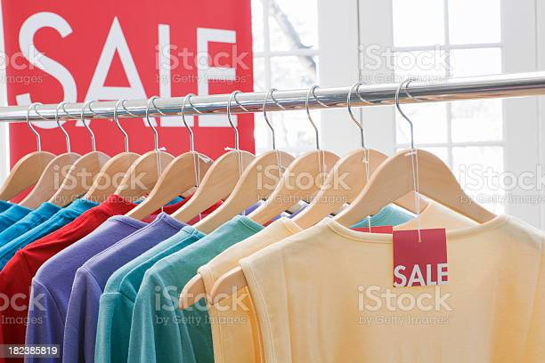 Retail saleclothes shopping in fashion store for color tops picture id182385819?b=1&k=6&m=182385819&s=612x612&h=c25nzj0s6gwhjvqanrxqw8vs8uscvcixigw g2vpz88=