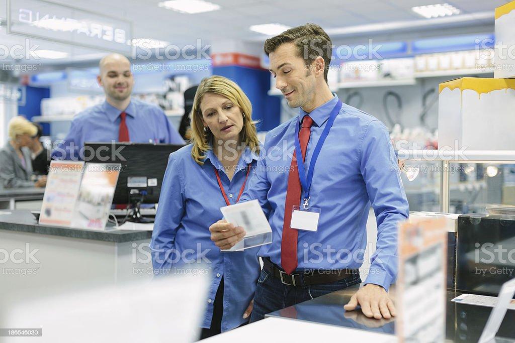 Retail store manager und sein team – Foto