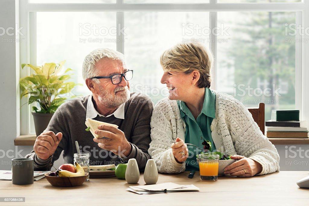 Ruhestand Seniorenpaar Lifestyle-Wohnkonzept Lizenzfreies stock-foto