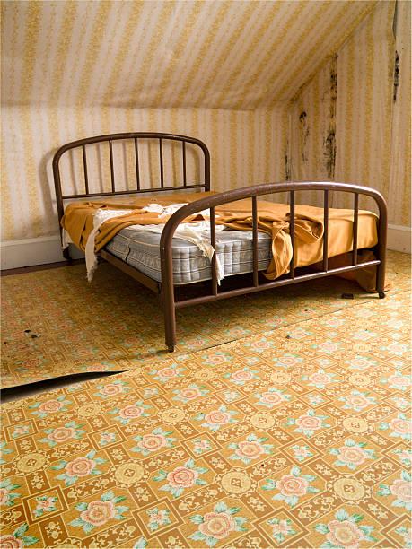 retro-schlafzimmer - do it yourself hochbett stock-fotos und bilder