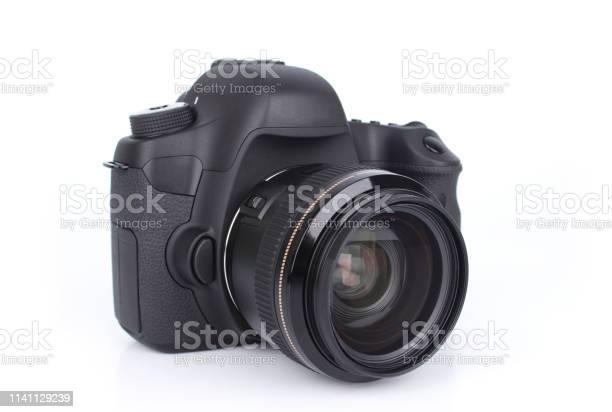 Retro black dslr camera isolated on white background picture id1141129239?b=1&k=6&m=1141129239&s=612x612&h=bbfijpzdishligygnr8rpdsxhdnqc d1ee 8frnb58u=