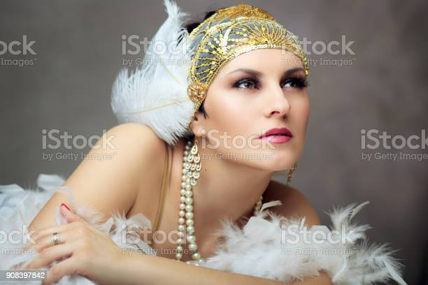 retro flapper woman