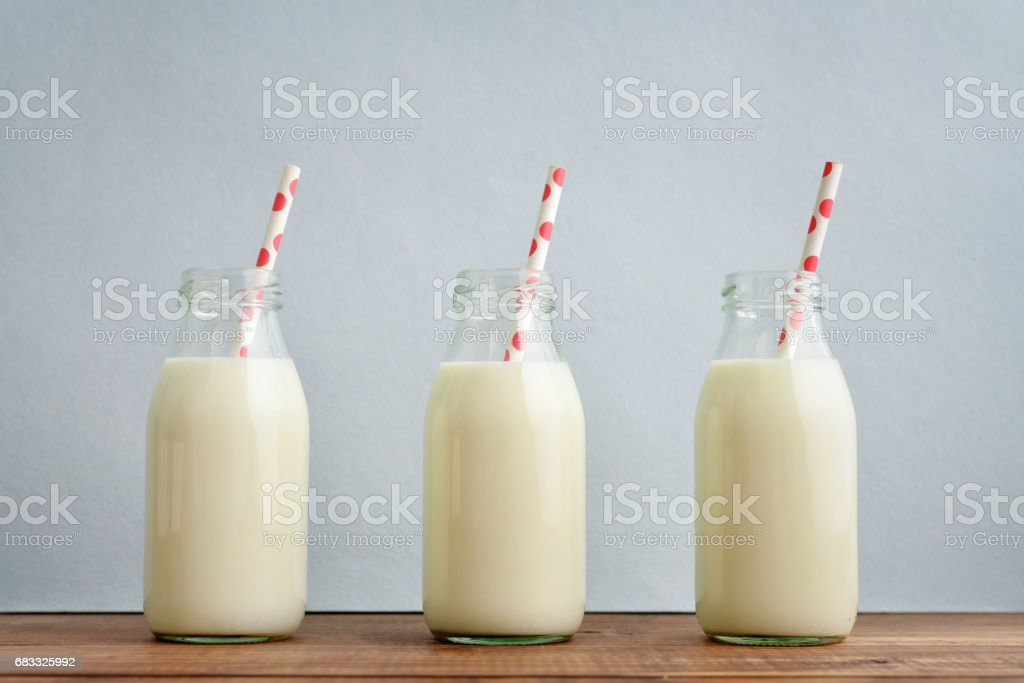 Retro milk bottles foto stock royalty-free