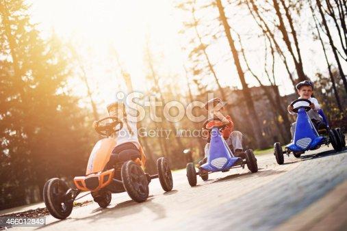 1035136022 istock photo Retro race 466012843