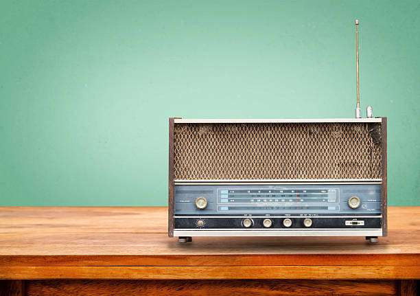 radio rétro - poste de radio photos et images de collection