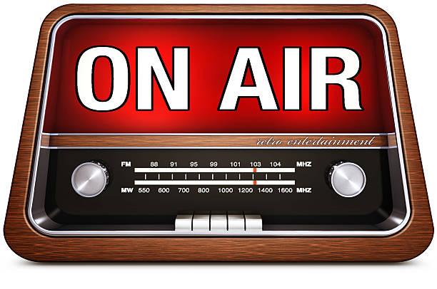 radio retrò con un'icona in aria - emissione radio televisiva foto e immagini stock