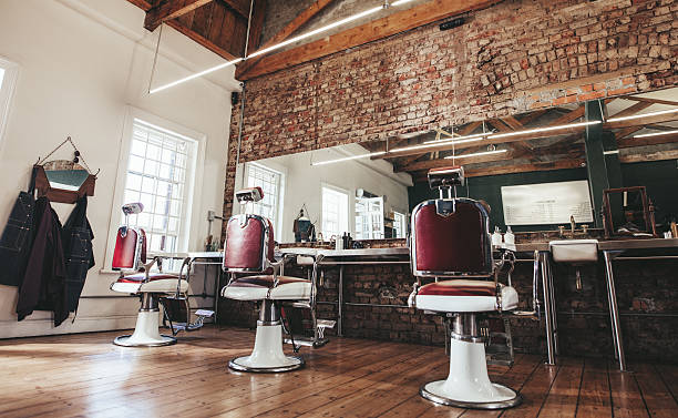 retro styled barbershop. - barbier coiffeur photos et images de collection