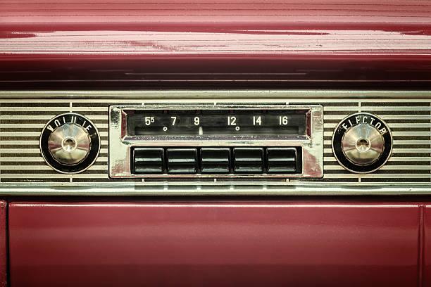 retro-stil foto von eine alte autoradio - oldtimer stock-fotos und bilder