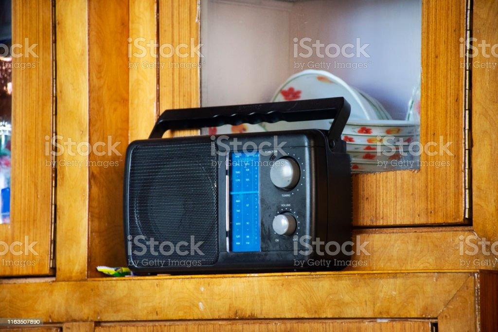 Retro Vintage Transistor Radio Von Indischen Und Tibetischen