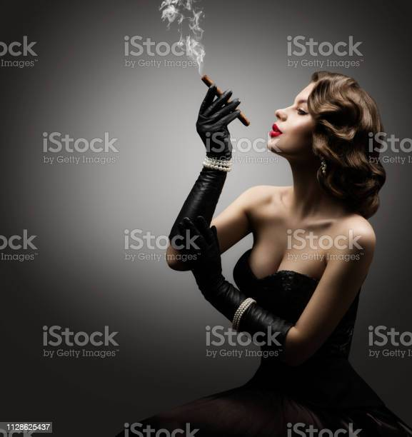 Retro Woman Smoking Cigar, Fashion Model Old Fashioned Beauty Portrait