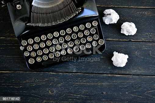 istock Retro writer or journalist desk 931716142