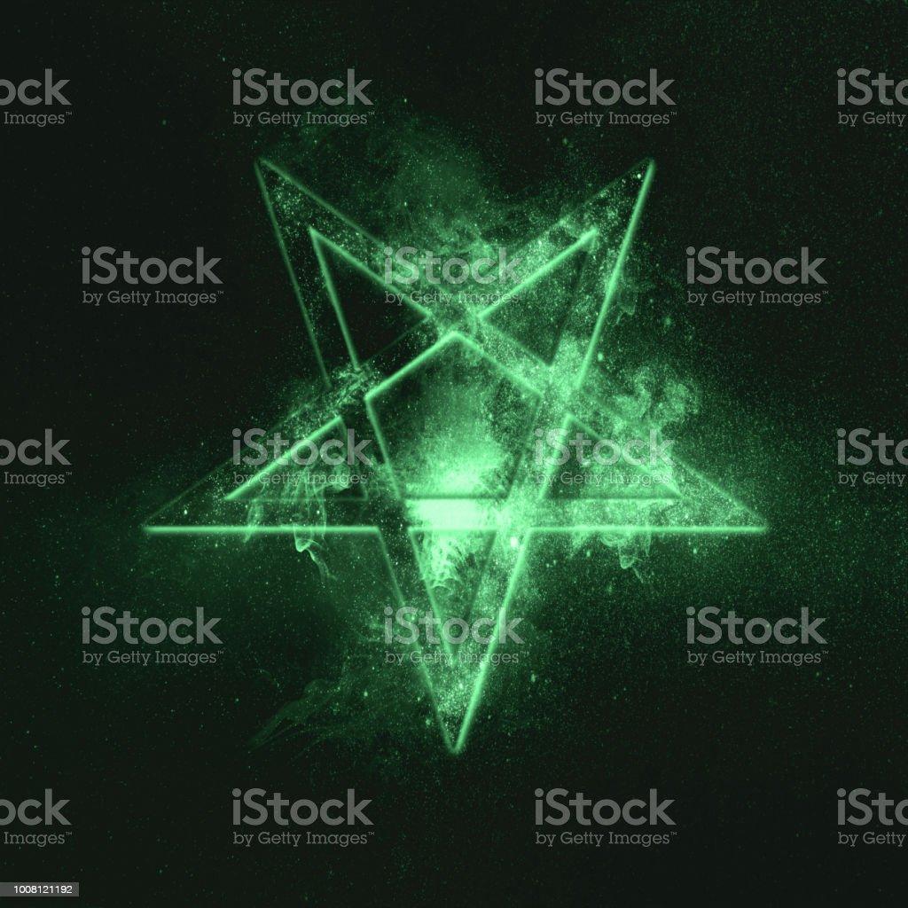 Umgekehrtes Pentagramm-Symbol. Grünes symbol – Foto