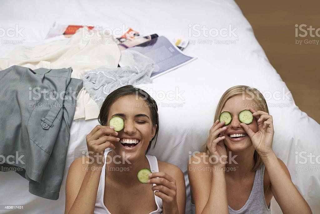 Leurs yeux revitalisant avec des concombres - Photo