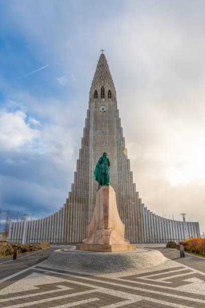 Reykjavik in Iceland Hilgrimskirkja Hilgims church during beautiful sunny day Reykjavik in Iceland Hilgrimskirkja Hilgims church during beautiful sunny day Hallgrímskirkja church stock pictures, royalty-free photos & images