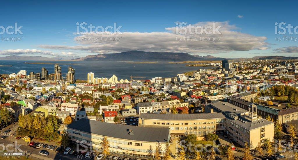 Reykjavik in IJsland van boven gezien royalty free stockfoto