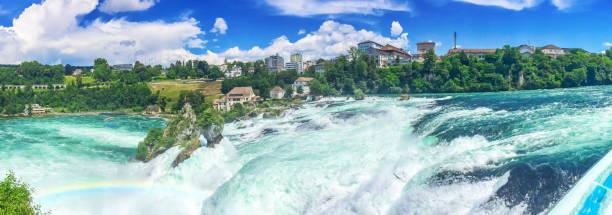 Rheinfall im Sommer - Panorama-Foto – Foto