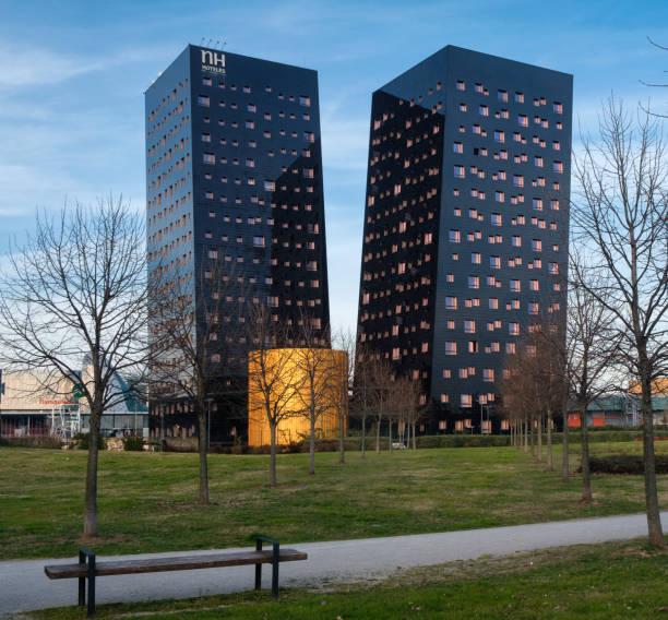 rho (milan, italy): two modern towers - hotel mailand stock-fotos und bilder