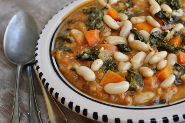 ribollita bean stew - minestrone foto e immagini stock
