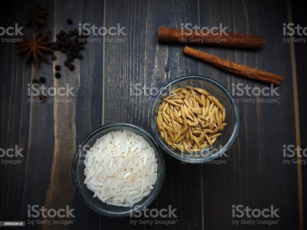 Rice and paddy in the glass Стоковые фото Стоковая фотография