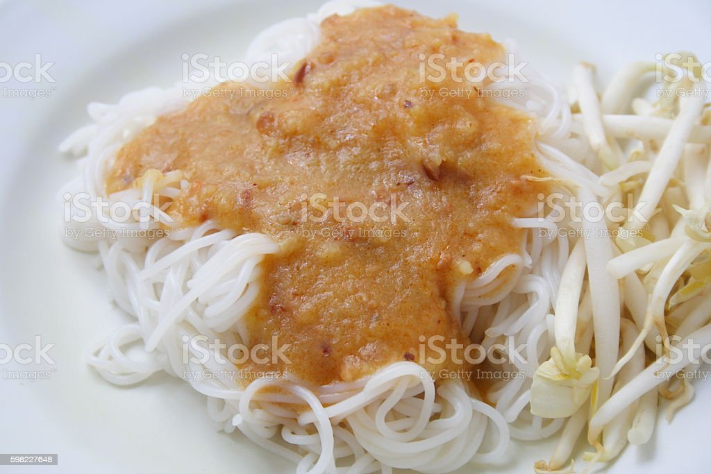 Rice noodles in sweet curry sauce foto royalty-free