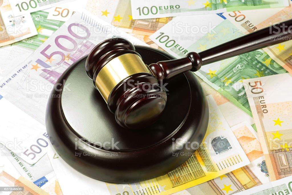 Richterhammer Auktionshamer und Geld – Foto