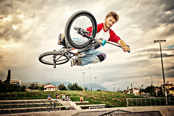 bmx rider - daredevil stock pictures, royalty-free photos & images