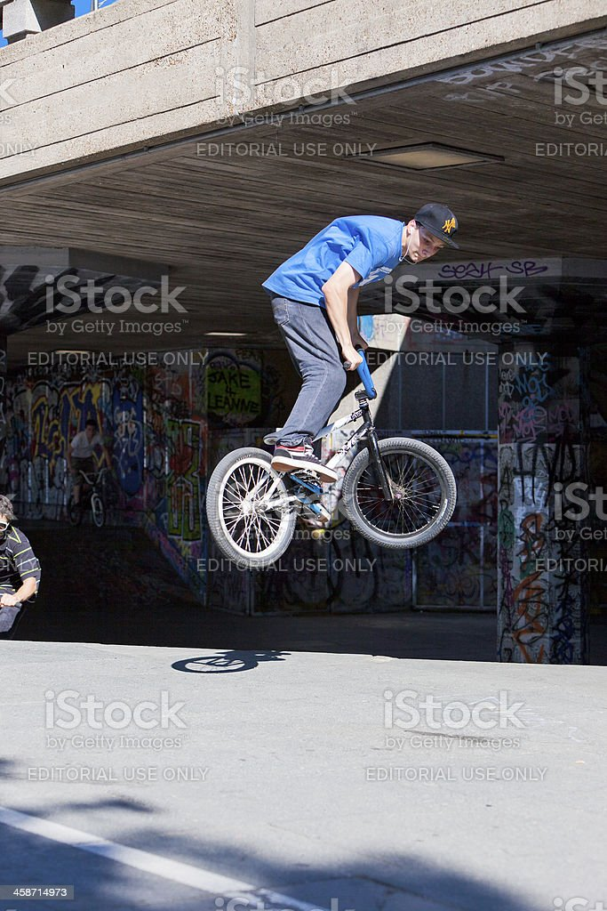 BMX-Radfahrer in Southbank, London – Foto