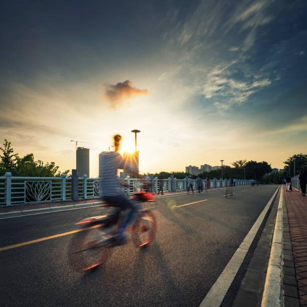 Riding Fahrrad – Foto