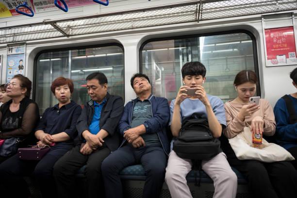 U-Bahn-Fahrt in Seoul, Südkorea – Foto