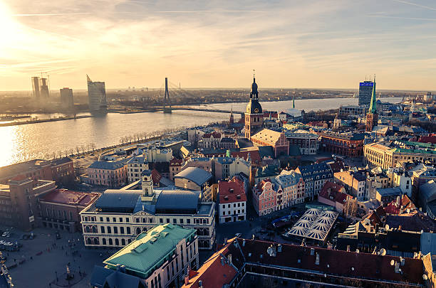 riga, latvia: aerial view of old town - 拉脫維亞 個照片及圖片檔
