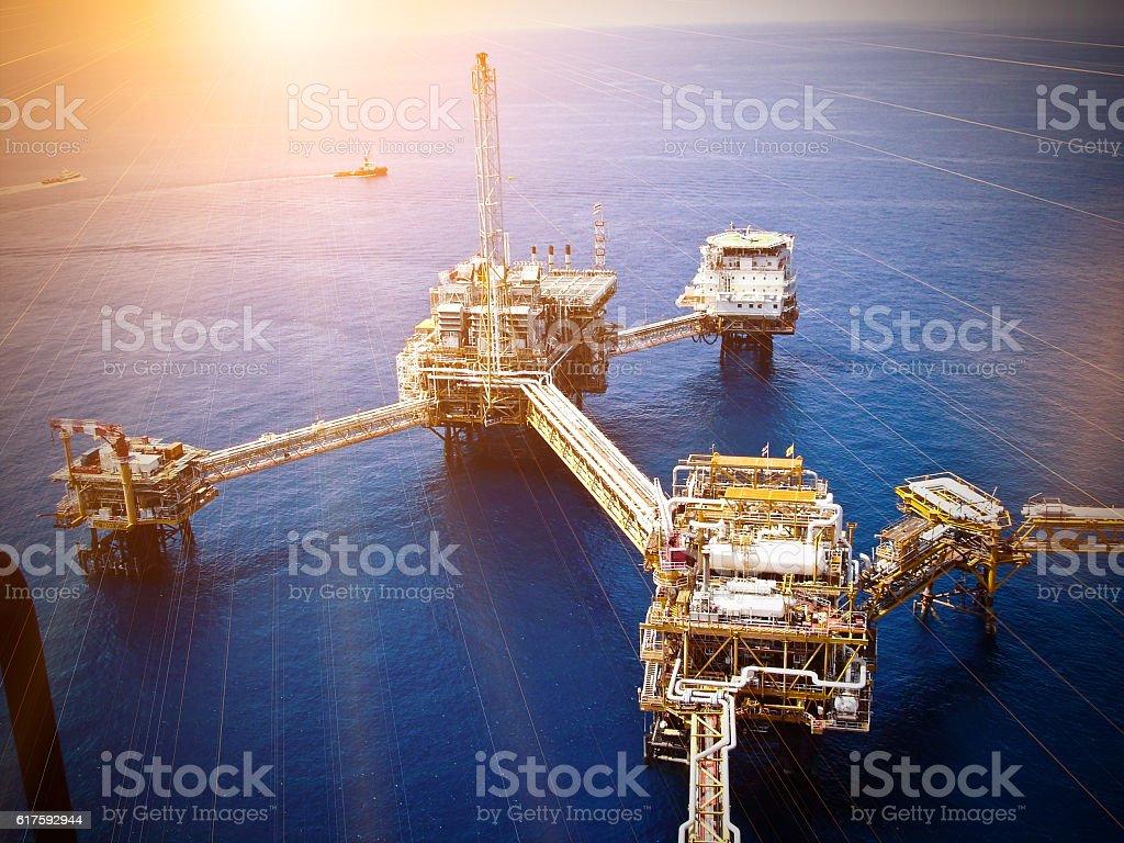 Outfits offshore-Öl-Raffinerie – Foto