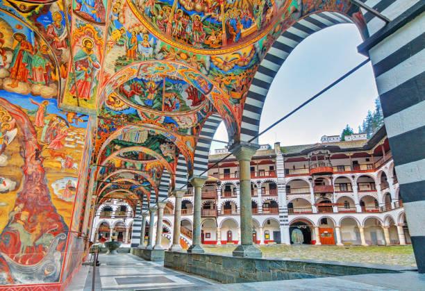 rila levendige decoratie - bulgarije stockfoto's en -beelden
