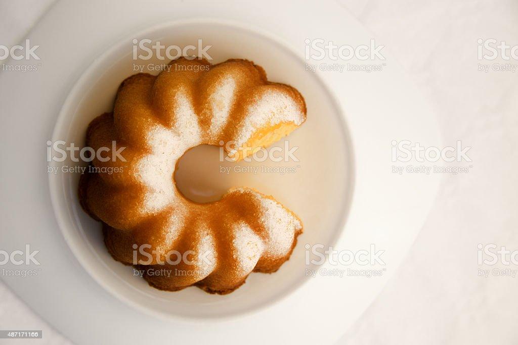 Ringform Morgen Schneiden Kuchen Mit Einem Stuck Tortengrafik