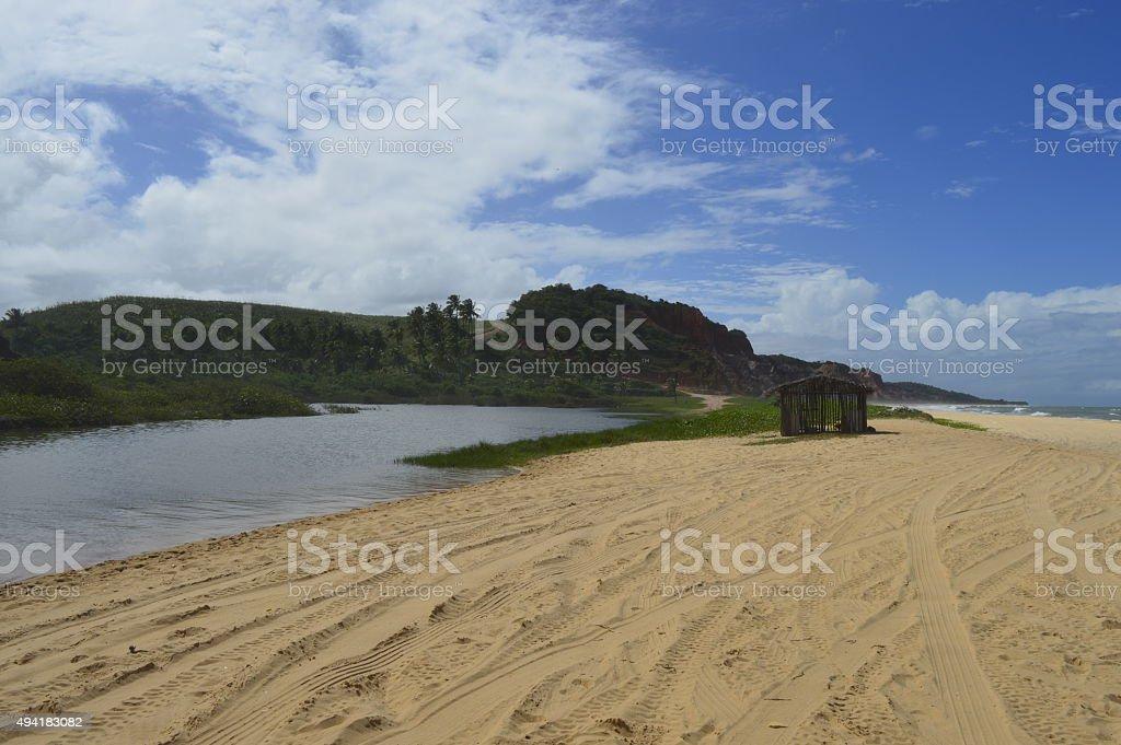 Rio na praia do guandu em Maceió. - foto de acervo