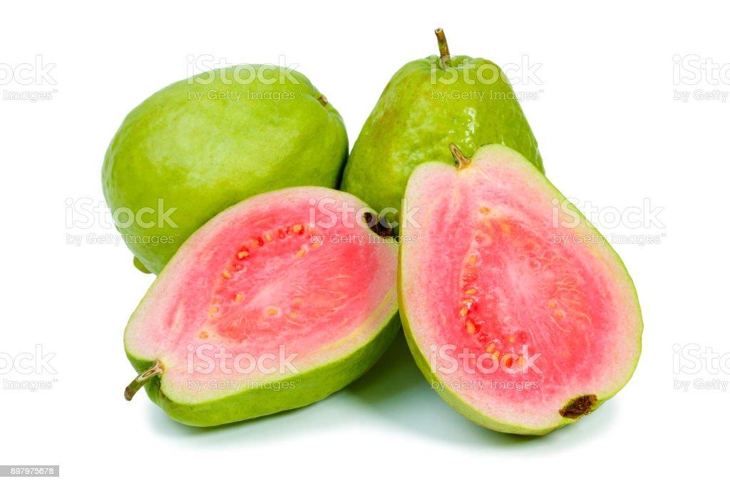 Reife Guaven auf weißem Hintergrund – Foto