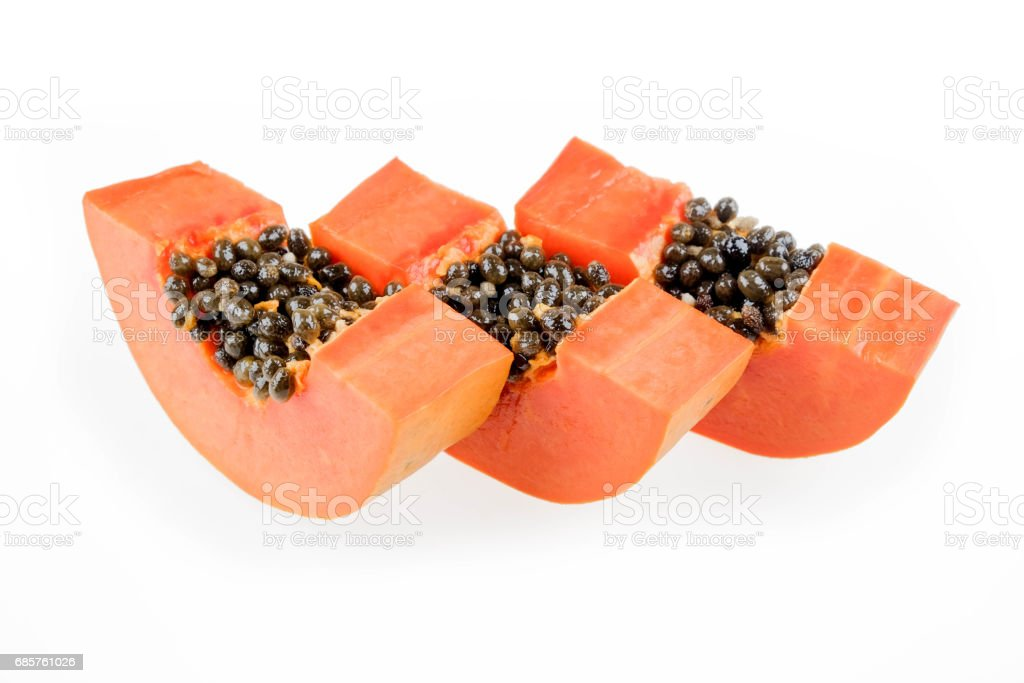 ripe papaya isolated on the white background. photo libre de droits