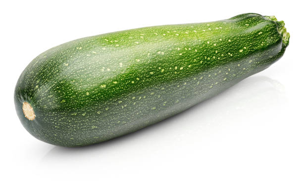 reife zucchini oder zucchini isoliert auf weiss - gefüllte zucchini vegetarisch stock-fotos und bilder
