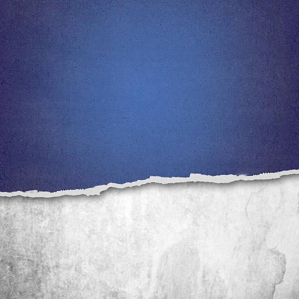 riped papier und weißem hintergrund mit platz für text - trennungssprüche stock-fotos und bilder