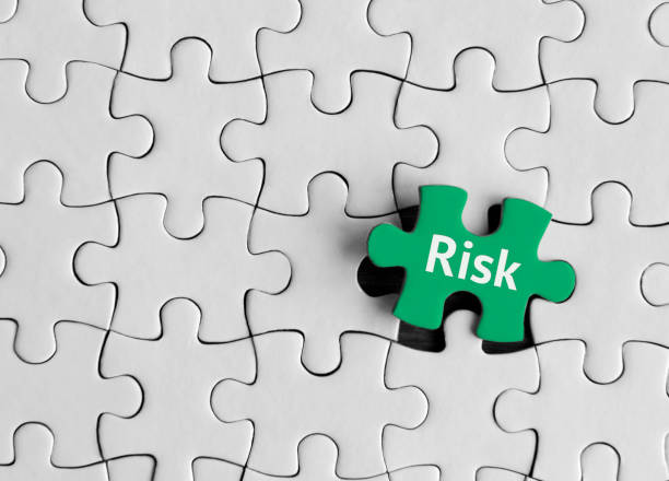リスクは、パズルの概念。 - リスク ストックフォトと画像