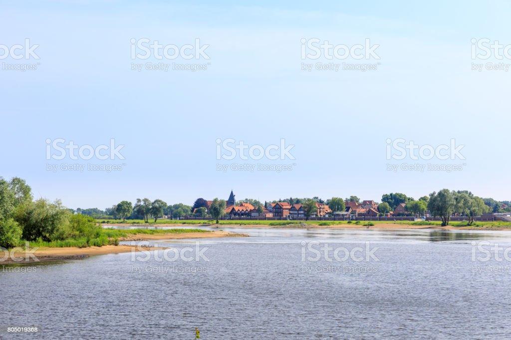 Rio Elba perto Hitzacker - UNESCO campo Niedersächsische Elbtalare Wendland - foto de acervo