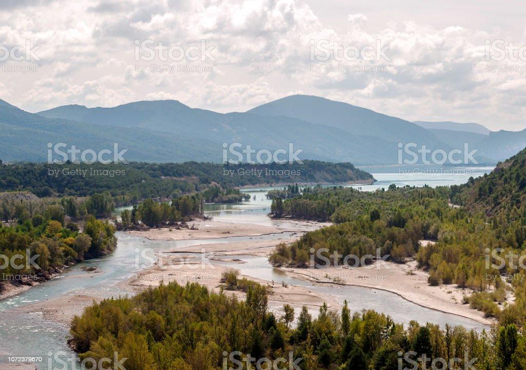 Río en Ainsa - foto de stock