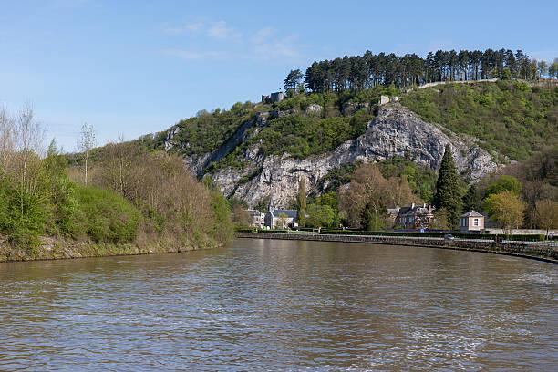 river meuse in belgium ardennes - maasvallei stockfoto's en -beelden
