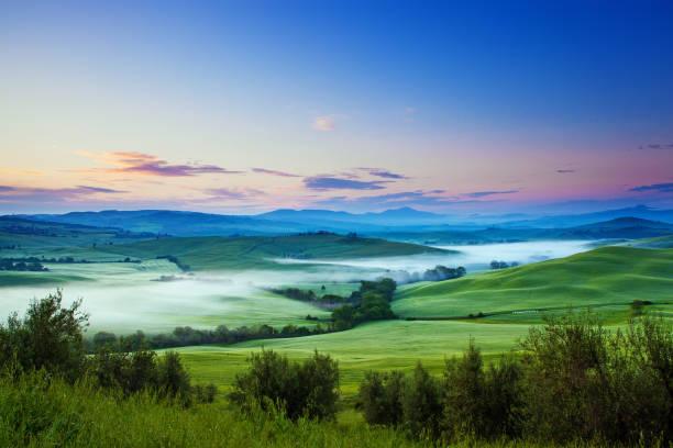Río de niebla - foto de stock