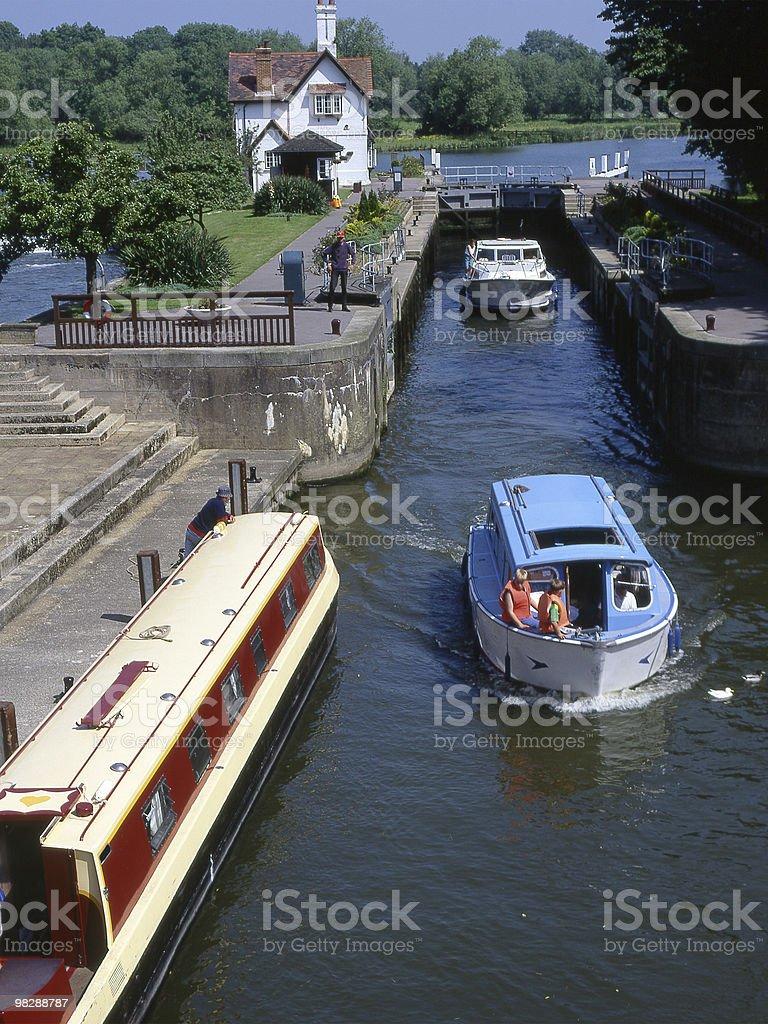 강 템스 at Goring in 옥스퍼드셔. 영국 royalty-free 스톡 사진