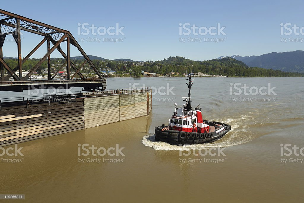 River Tug, Mission Rail Bridge, BC stock photo
