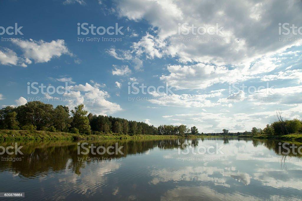 river with blue sky zbiór zdjęć royalty-free