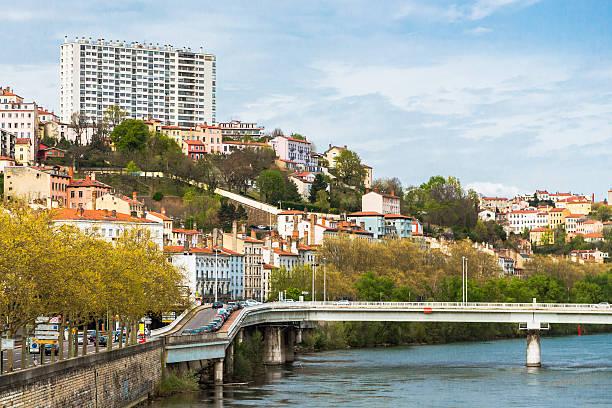 Riverbank in Lyon - Photo