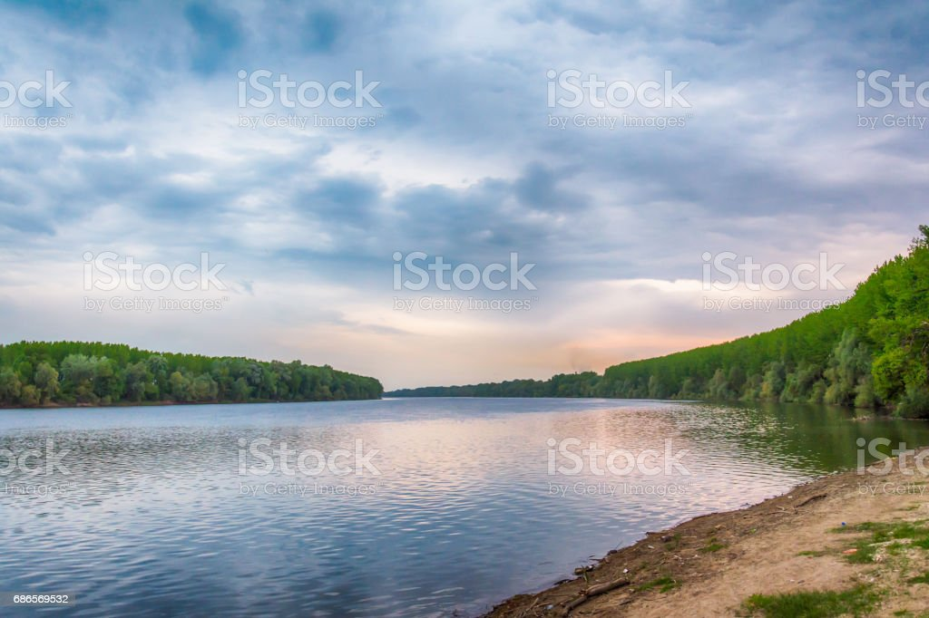 Riverbank royalty free stockfoto